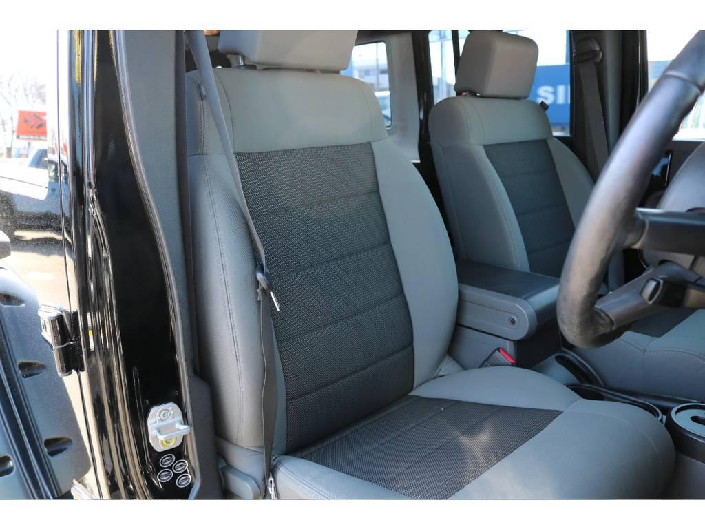 運転席シートに大きなヘタリも無くグッドコンディション! | ジープ ラングラー アンリミテッド スポーツ 4WD アンリミテッド スポーツ 4WD