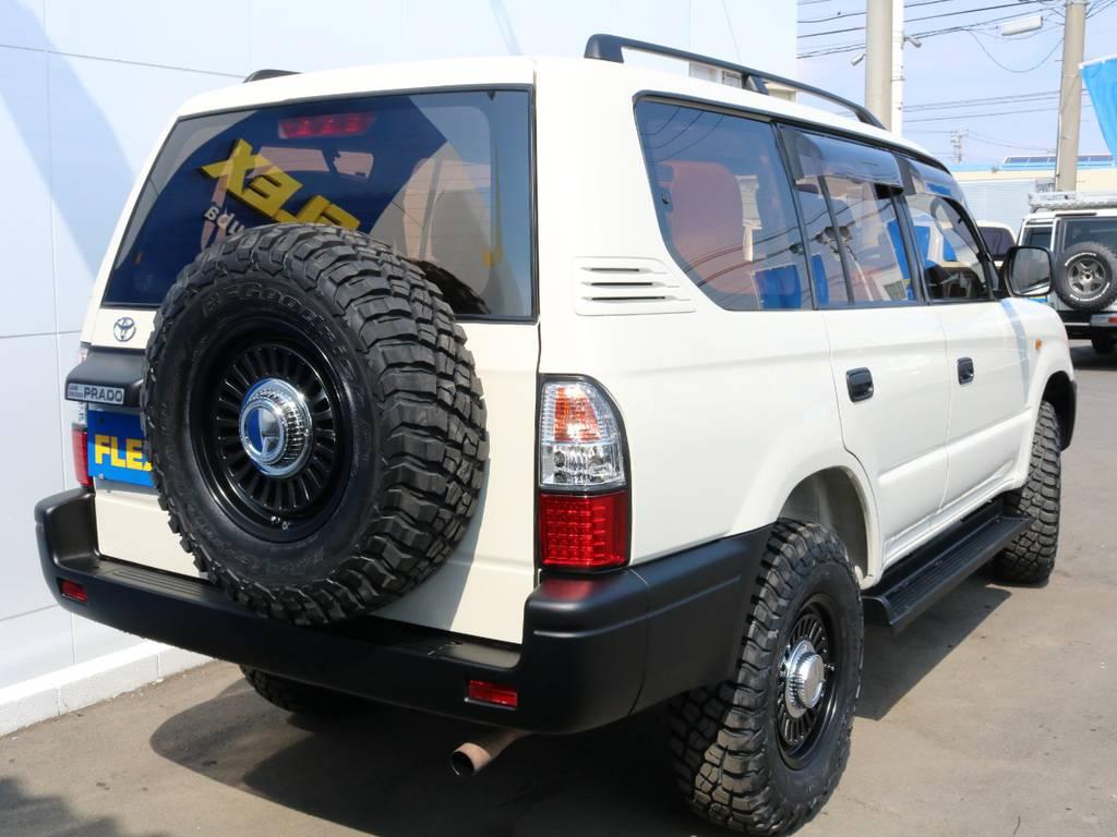 背面タイヤも合わせて交換済み! | トヨタ ランドクルーザープラド 2.7 TX リミテッド 4WD ナロー ペッパーホワイト