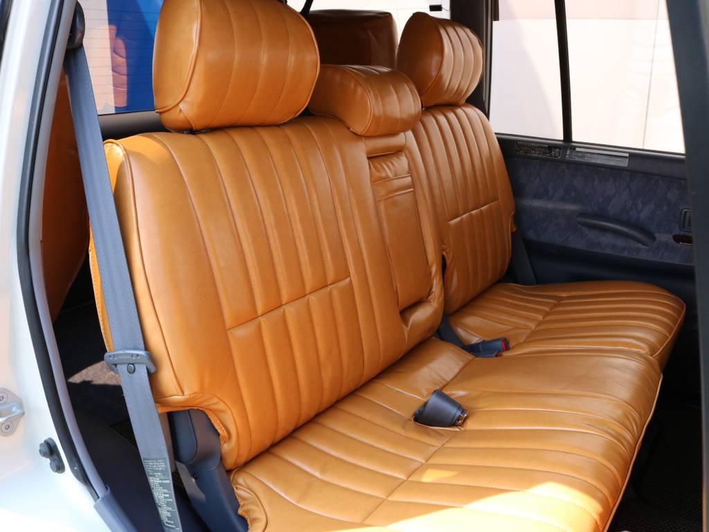 広々したセカンドシート!チャイルドシートも装着可能です! | トヨタ ランドクルーザープラド 2.7 TX リミテッド 4WD ナロー ペッパーホワイト