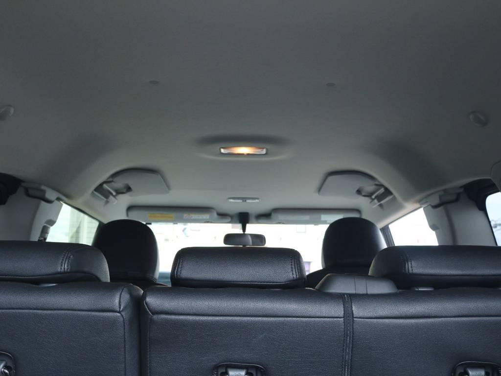 広々した天井!大きなキズやへたりも無く天張りもグッドコンディション! | トヨタ FJクルーザー 4.0 ブラックカラーパッケージ 4WD 2UP KM3