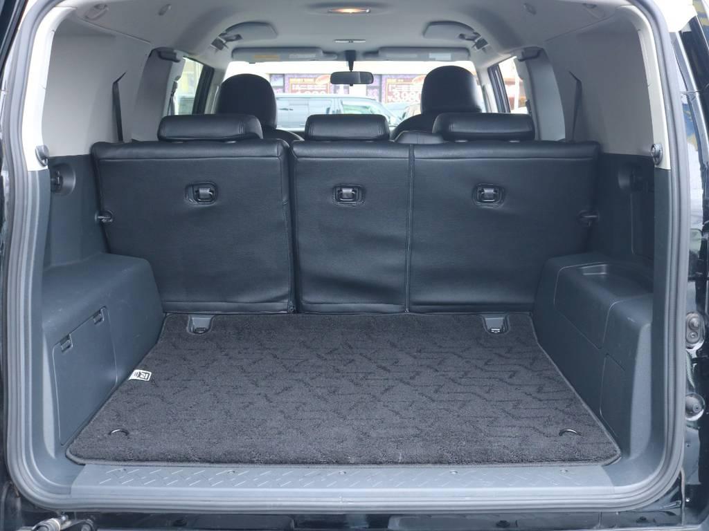 広々したラゲッジルーム!大容量でキャンプ用品なども沢山収容できます! | トヨタ FJクルーザー 4.0 ブラックカラーパッケージ 4WD 2UP KM3