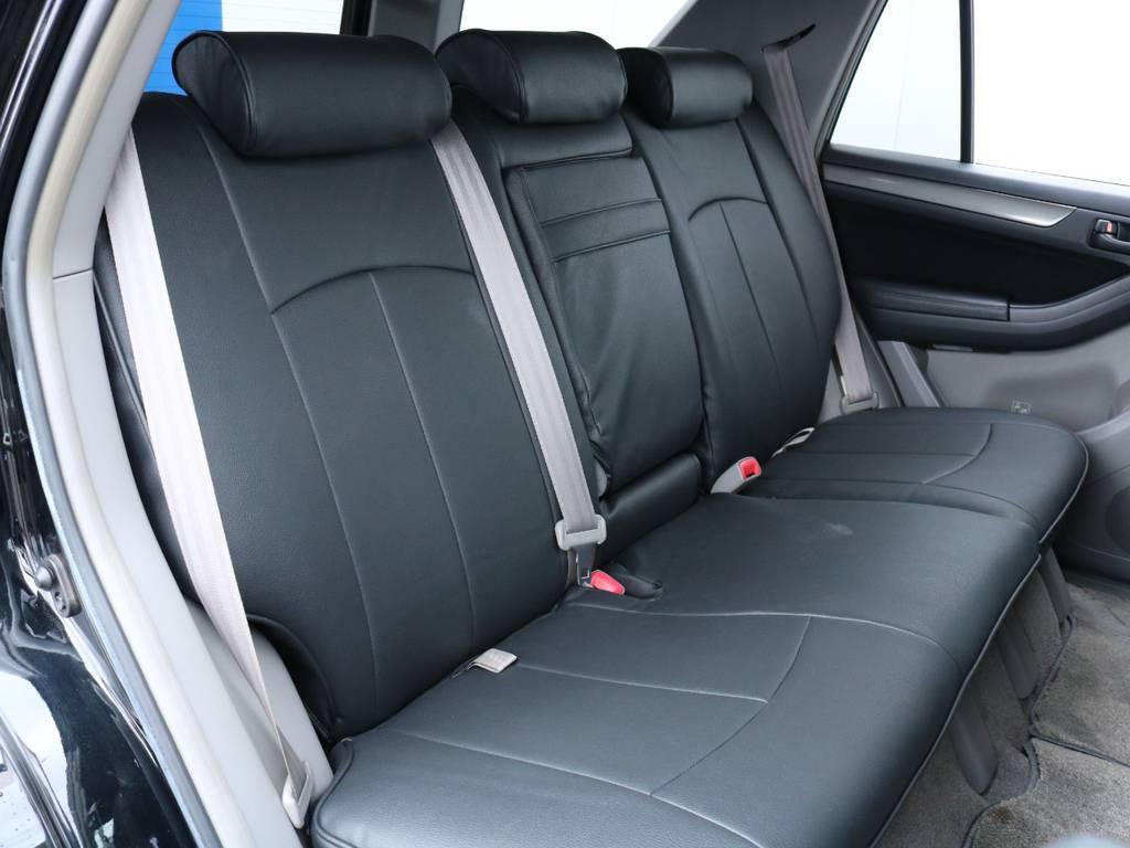 広々したセカンドシート!チャイルドシートもシートベルト固定可能!