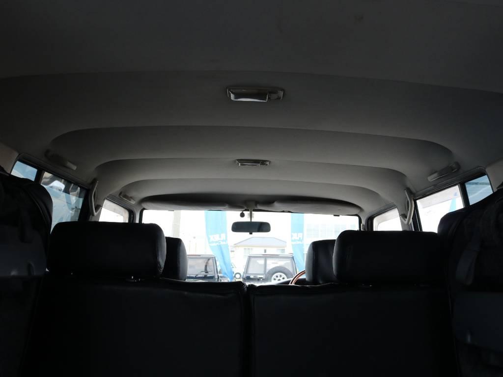 広々した天井!フリップダウンモニターの取り付け事例もございます。