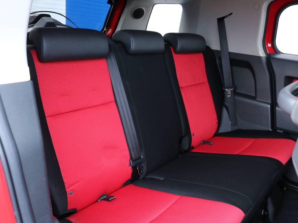 セカンドシートももちろん撥水ファブリック。チャイルドシートもシートベルト固定はもちろんのことISOFIXにも対応しております。