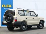 背面タイヤも付いていざという時も安心です!クラシックスタイルですが実用性も伴っています!