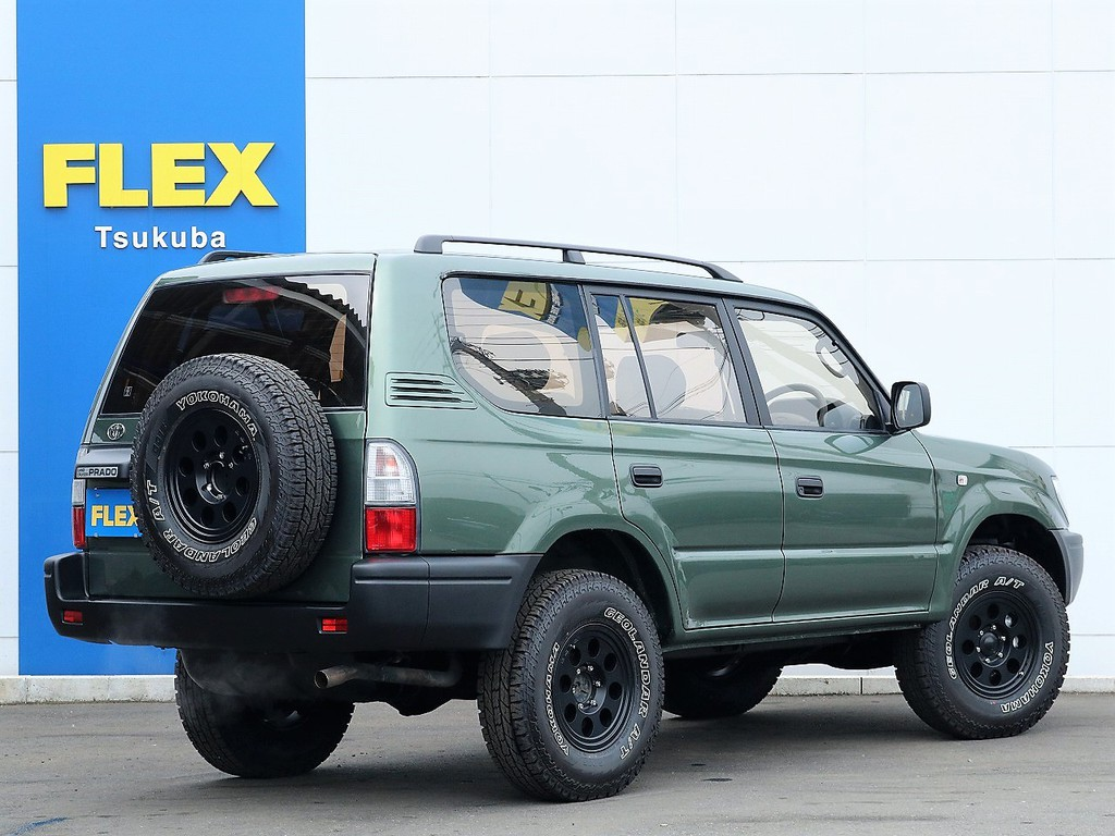 背面タイヤも合わせて5本新品アルミ&タイヤ装着!
