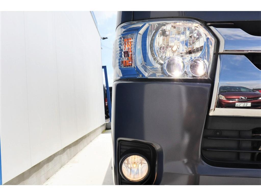 LEDヘッドライト&フォグランプ搭載!