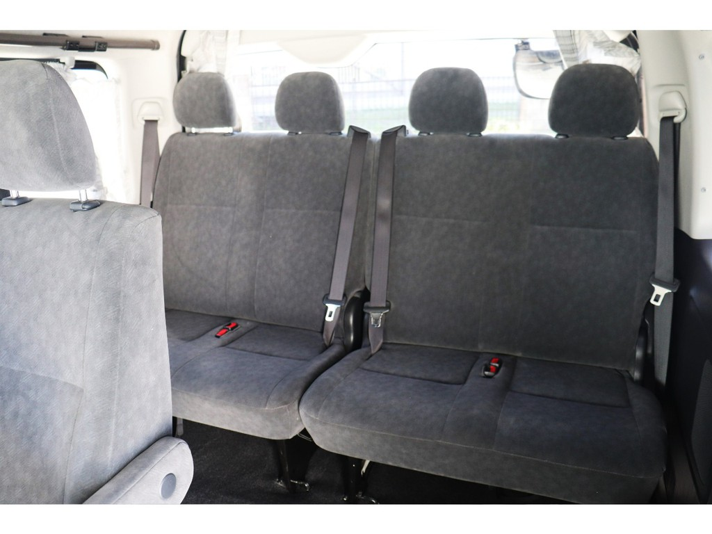 車内は広く開放感もあり、大人数でもゆったり乗れますね♪