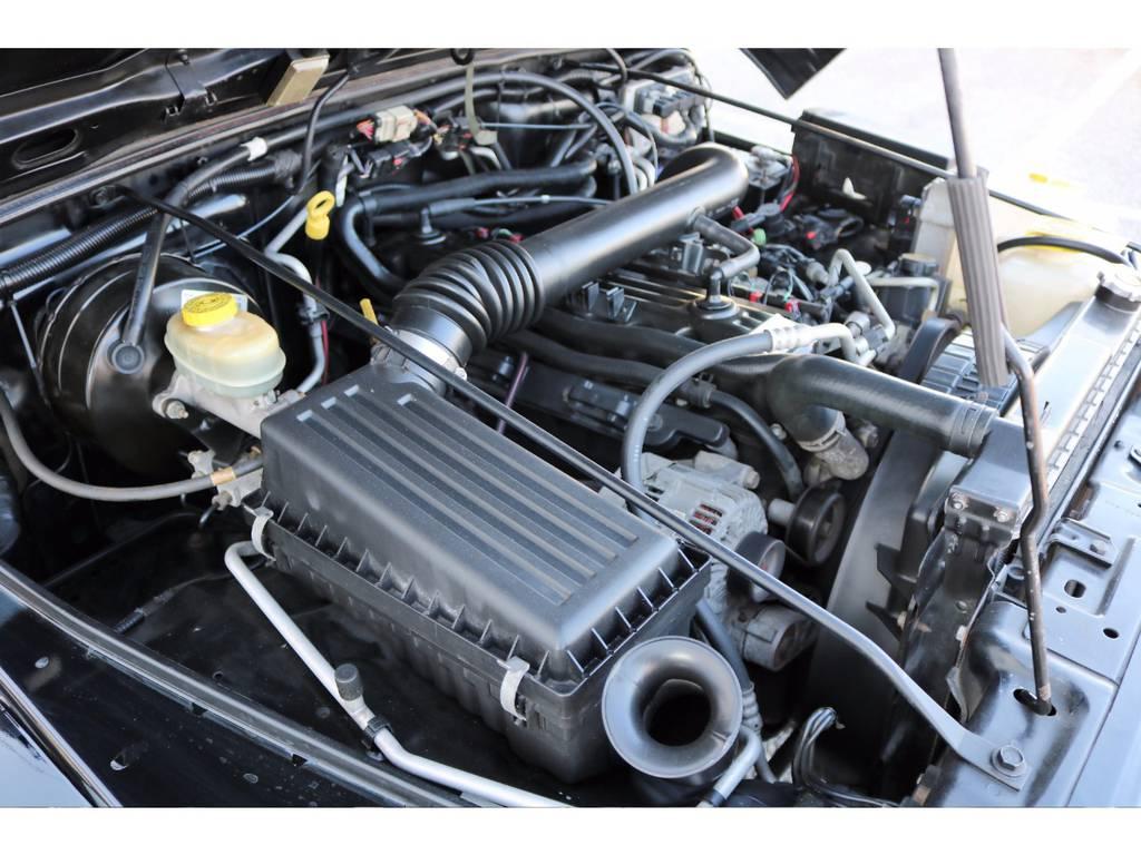 ~ エンジンルームもとても綺麗です♪ ~ | ジープ ラングラー サハラ ハードトップ 4WD