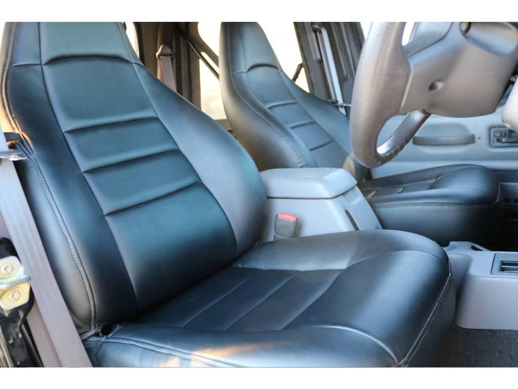 フロントシートはシートカバー装着! | ジープ ラングラー スポーツ ソフトトップ 4WD