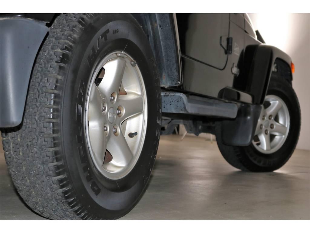 タイヤの残り溝もまだまだ有ります☆ | ジープ ラングラー サハラ ハードトップ 4WD