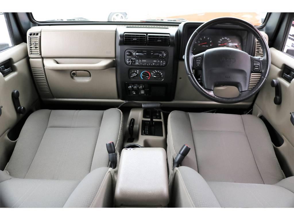 気になる臭い等も無く清潔に保たれたインテリア♪ | ジープ ラングラー サハラ ハードトップ 4WD