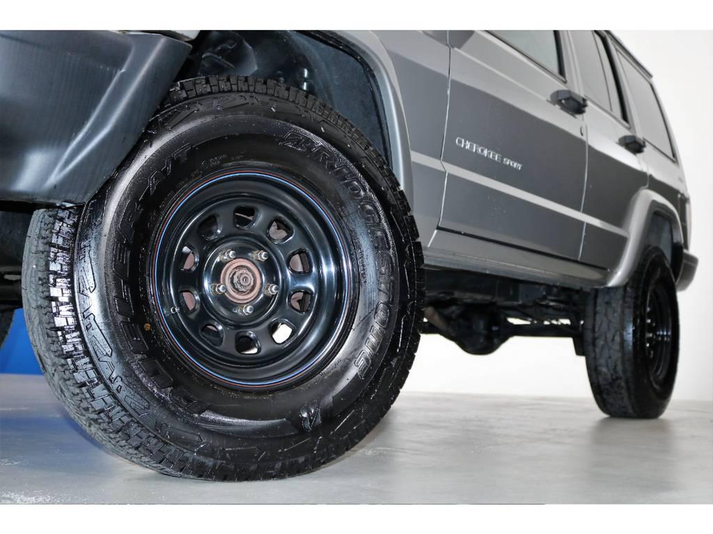 ブラックデイトナホイール☆   ジープ チェロキー スポーツ 4WD