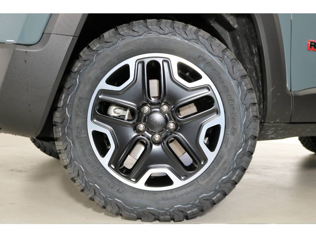 新品タイヤ!! | ジープ レネゲード トレイルホーク 4WD