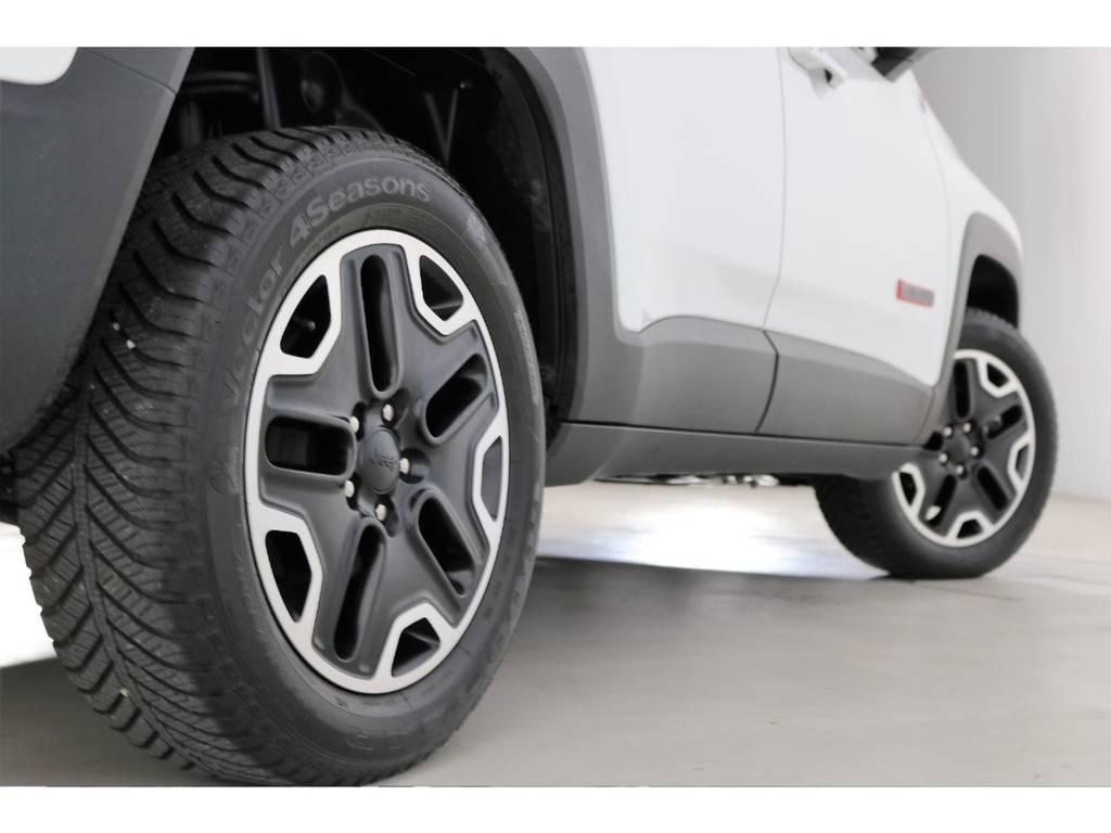 | ジープ レネゲード トレイルホーク 4WD