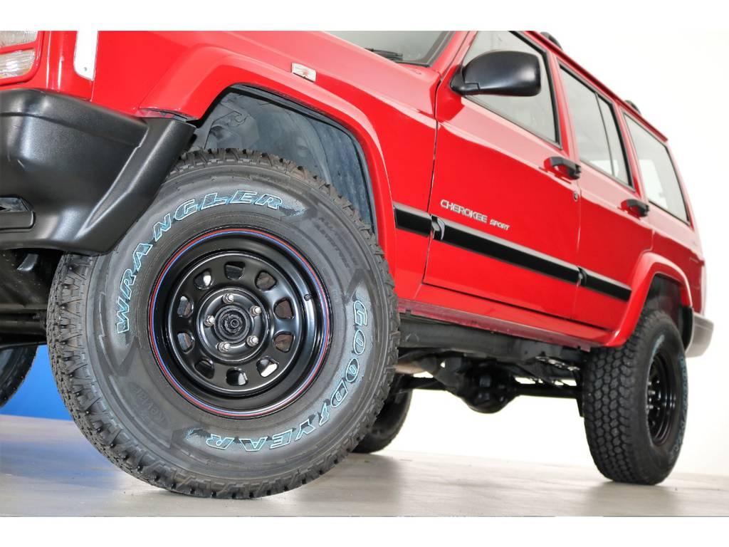 ブラックデイトナホイール&Good year Adventure 31/10.5/15(新品装着)   ジープ チェロキー スポーツ 4WD