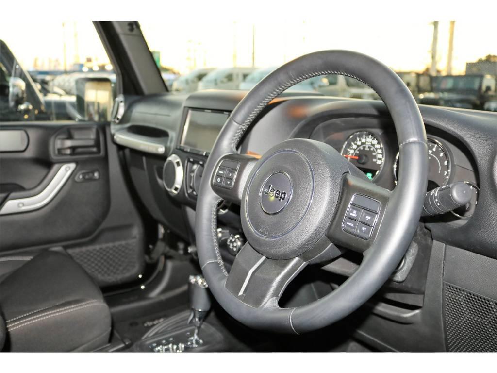 | ジープ ラングラー アンリミテッド サハラ 4WD