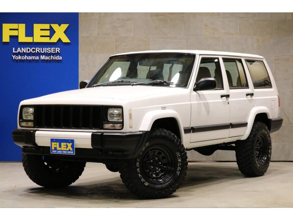 カクカクボディが人気のXJチェロキースポーツ!ホワイト×ブラックNEWペイント | ジープ チェロキー スポーツ 4WD