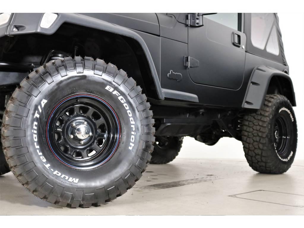 BF Goodrich Mud-terrain 33/12.5/15&ブラックデイトナホイール(新品装着) | ジープ ラングラー スポーツ ソフトトップ 4WD
