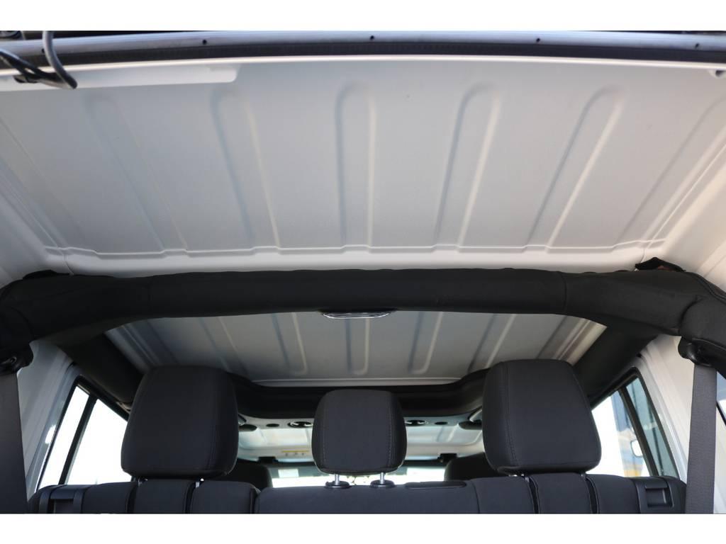 天井部もご覧の様に綺麗です♪   ジープ ラングラー アンリミテッド スポーツ 4WD