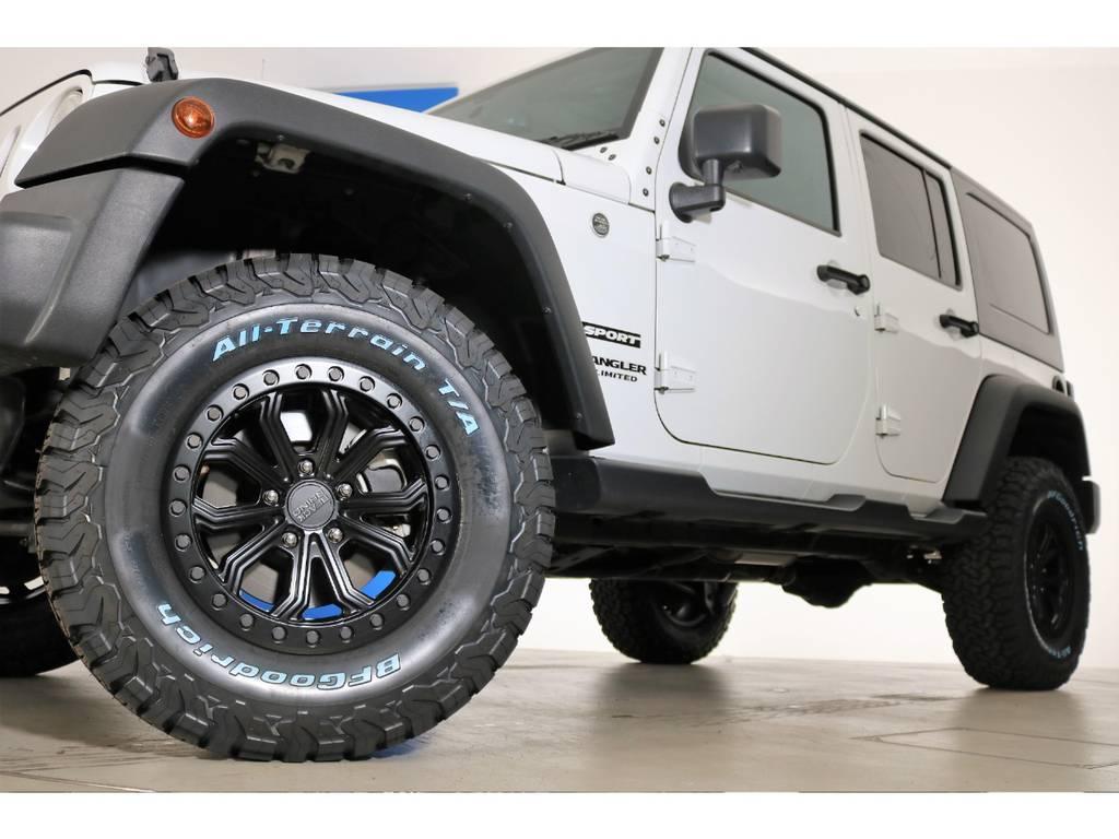 BLACK RHINOホイール&BF Goodrich All-terrain 285/70/17(新品装着)   ジープ ラングラー アンリミテッド スポーツ 4WD
