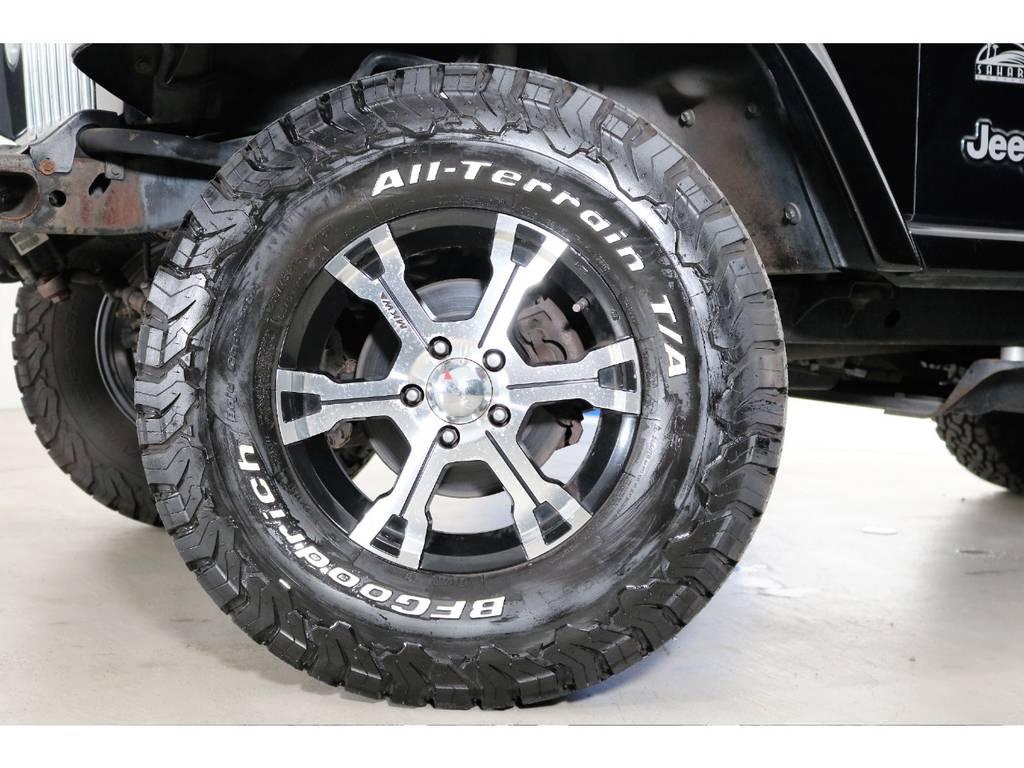 タイヤの残り溝もまだまだです! | ジープ ラングラー サハラ ハードトップ 4WD
