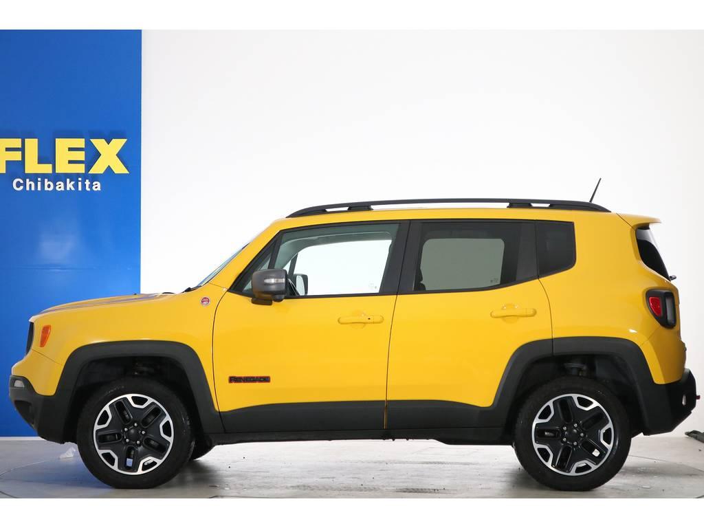 ジープレネゲードトレイルホーク 4WD電動サンルーフ フリーダムトップ千葉県の詳細画像その4