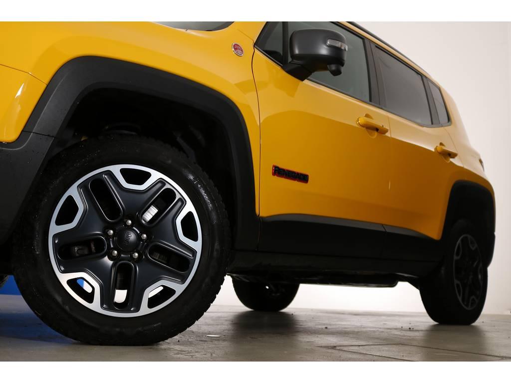 ジープレネゲードトレイルホーク 4WD電動サンルーフ フリーダムトップ千葉県の詳細画像その6