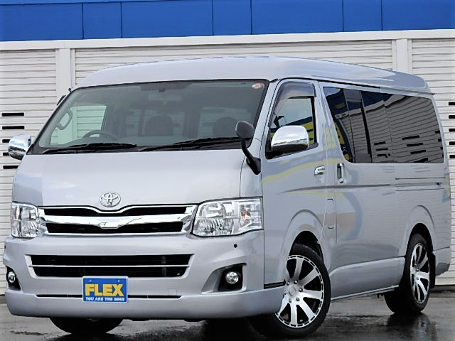 【H23レジアスエースバン 4WD MRTver2】フロアー施工/跳ね上げ式ベッドキッド搭載!