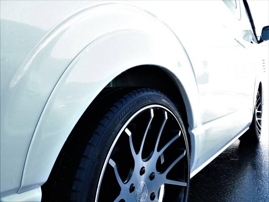 エセックスオーバーフェンダー! | トヨタ ハイエース 2.7 GL ロング ミドルルーフ 4WD 4型 20inダイナスティ 新品SDナビ