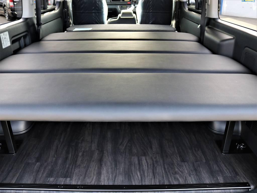セカンドシートを倒してフルフラットにする事も出来ます!車中泊に最適です! | トヨタ ハイエースバン 2.7 スーパーGL ワイド ロング ミドルルーフ 4WD FLEXオリジナル車中泊カスタム