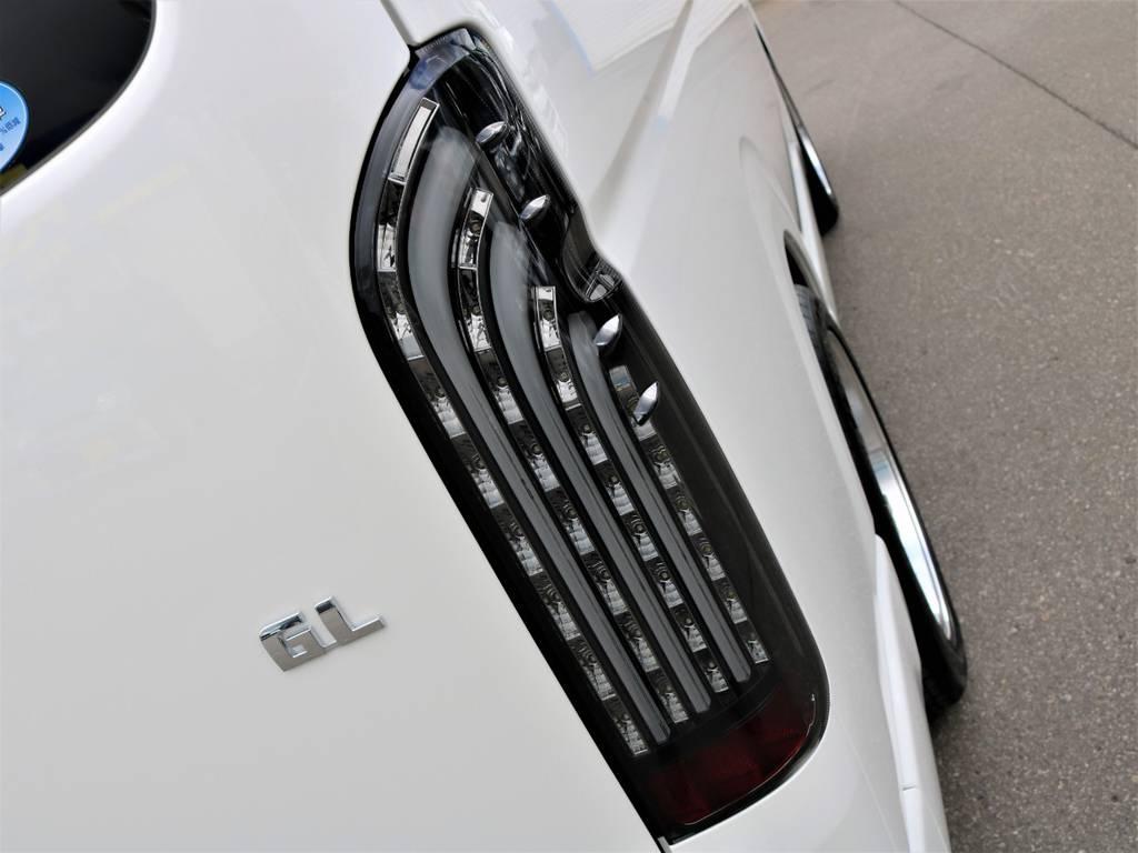 FLEXオリジナル【煌きBLACK】LEDテールランプ!   トヨタ ハイエース 2.7 GL ロング ミドルルーフ 4WD FLEX Ver1 ツインナビPKG