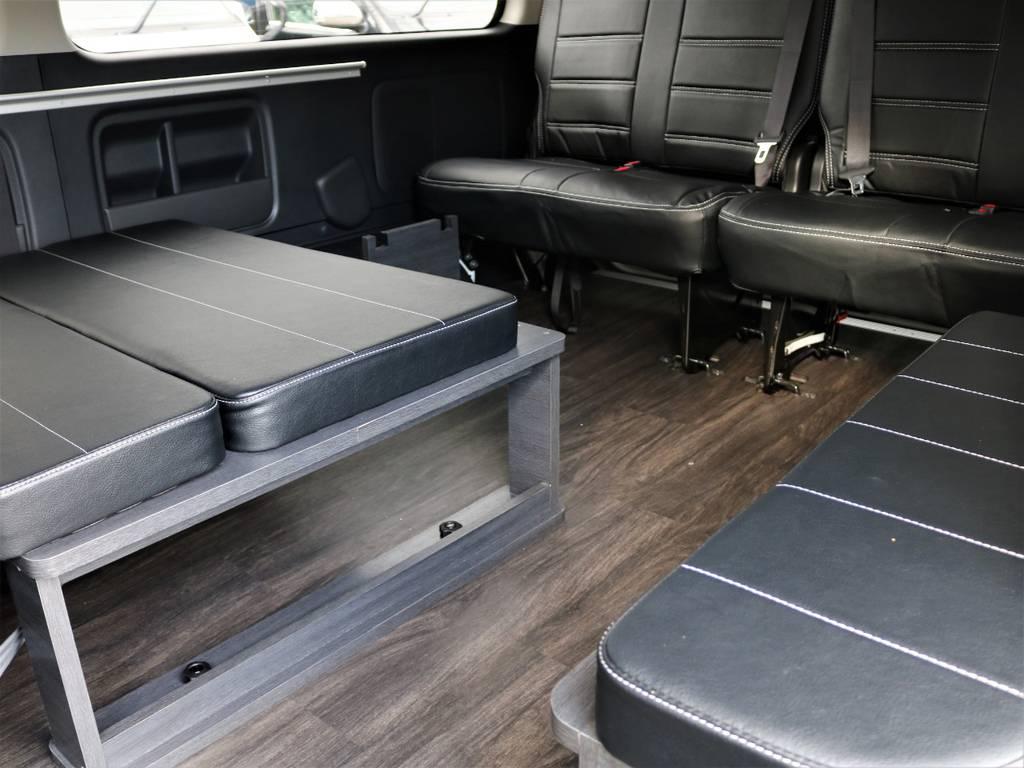 三列目シートは後ろ向き座席2人分の設定です!   トヨタ ハイエース 2.7 GL ロング ミドルルーフ 4WD FLEX Ver1 ツインナビPKG