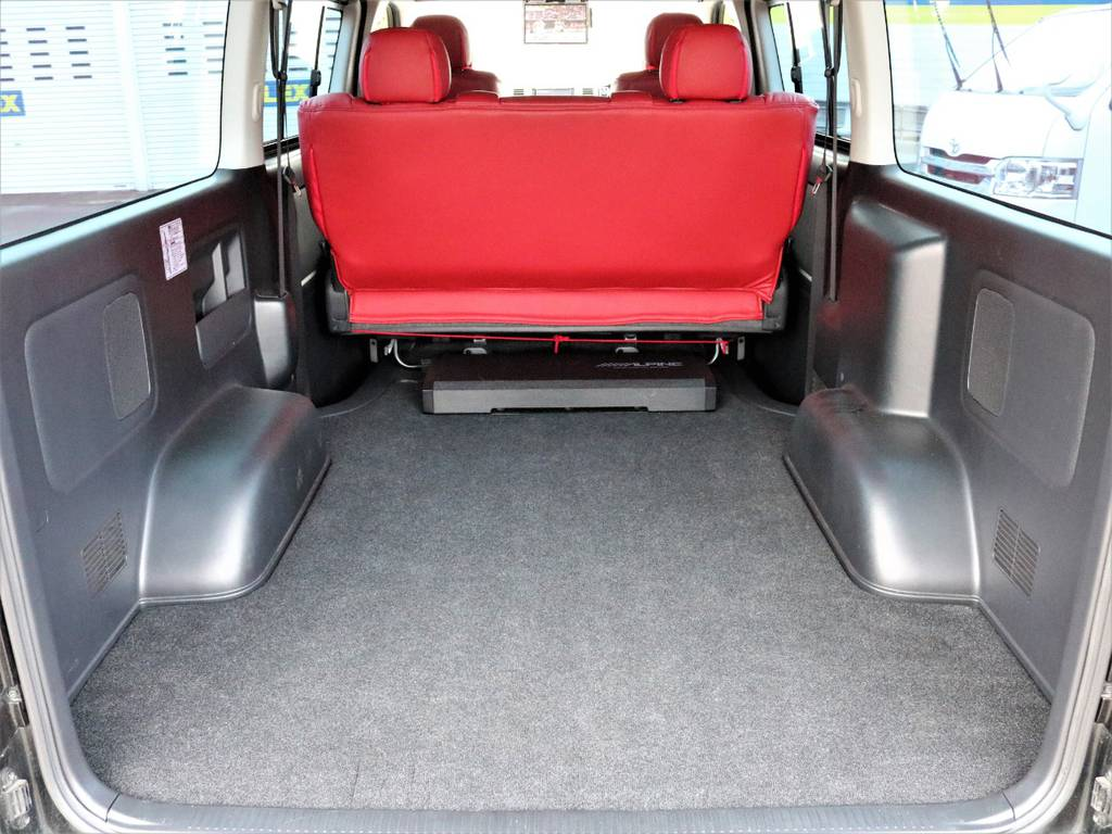 広々としたラゲッジルーム!   トヨタ レジアスエース 3.0 スーパーGL ロングボディ ディーゼルターボ 4WD TSDフルエアロ新品ゼロブレイクフォース