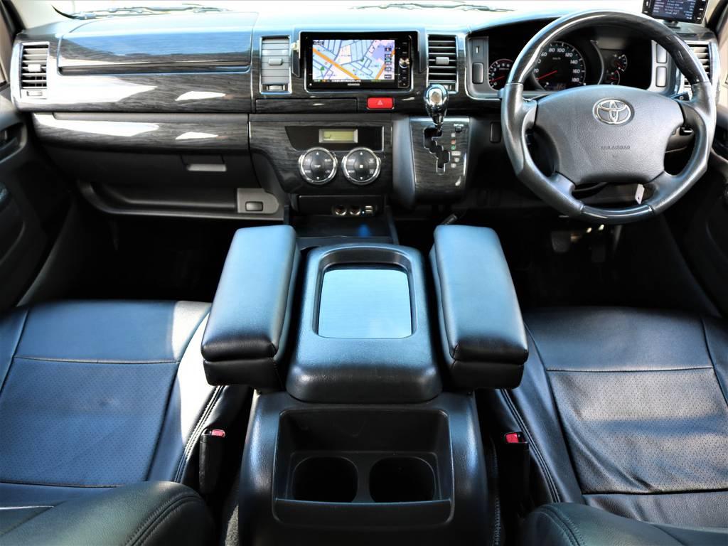 根強い人気の3型パールホワイトです! | トヨタ レジアスエース 3.0 スーパーGL ロングボディ ディーゼルターボ 4WD 16inバルベロ ベッド フリップダウン