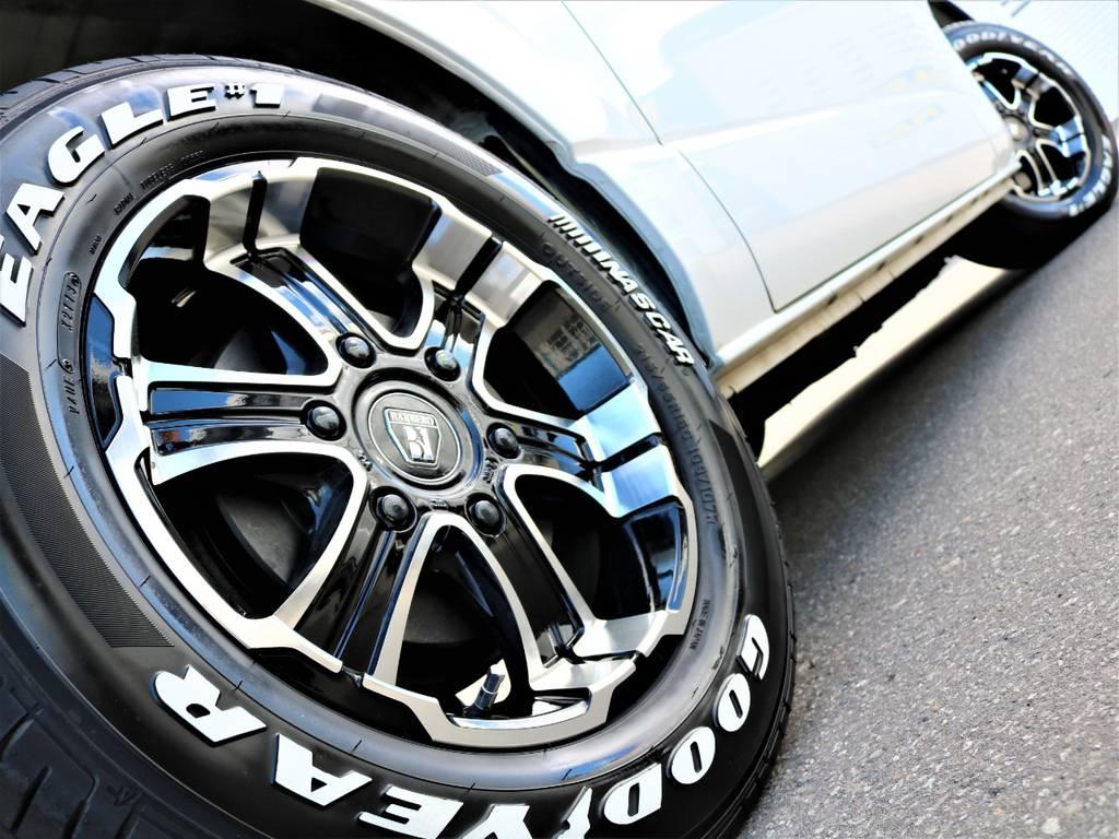 走行中のシルエットもかっこいいですよ! | トヨタ レジアスエース 3.0 スーパーGL ロングボディ ディーゼルターボ 4WD 16inバルベロ ベッド フリップダウン