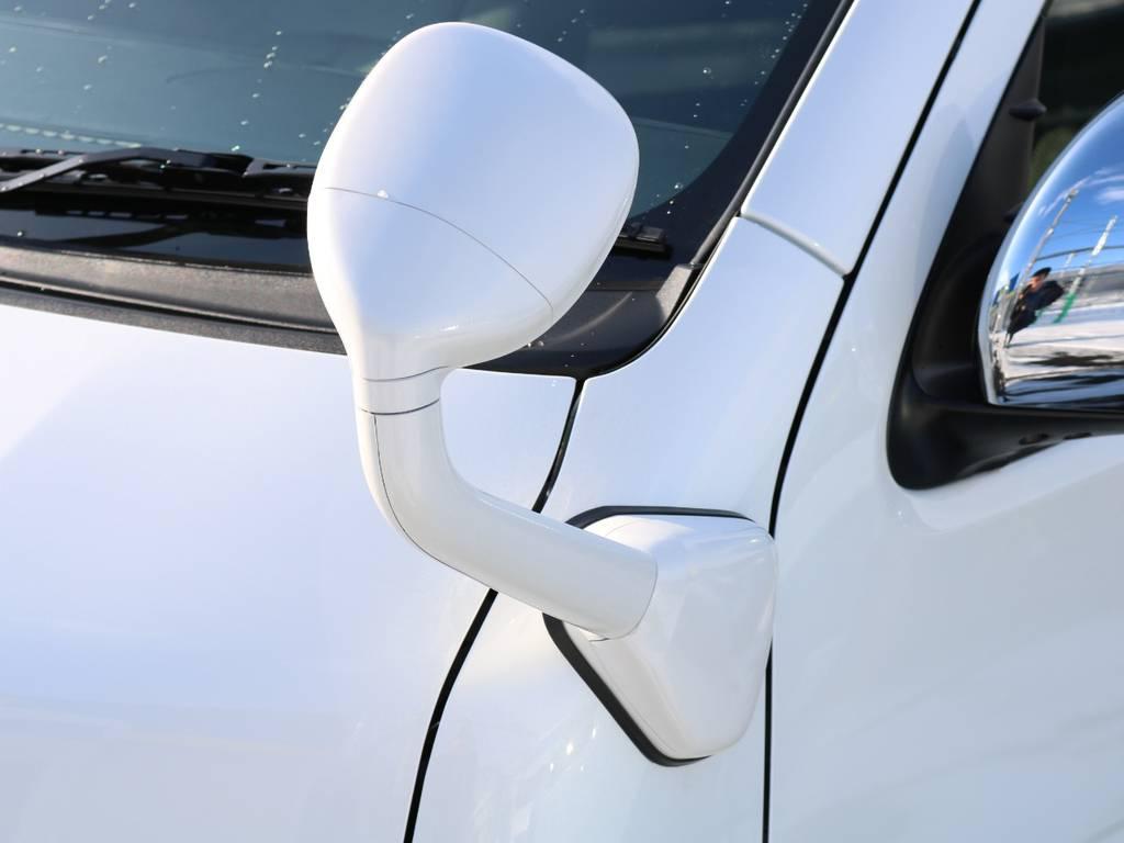 フロントアンダーミラーはパールホワイト塗装済み!   トヨタ ハイエースバン 2.8 DX ワイド スーパーロング ハイルーフ GLパッケージ ディーゼルターボ 4WD フロアー施工&トリムレザーPKG