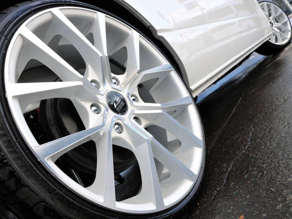 ゼロブレイクフォース装備!迫力の20inアルミホイール!   トヨタ ハイエースバン 2.8 DX ワイド スーパーロング ハイルーフ GLパッケージ ディーゼルターボ 4WD フロアー施工&トリムレザーPKG