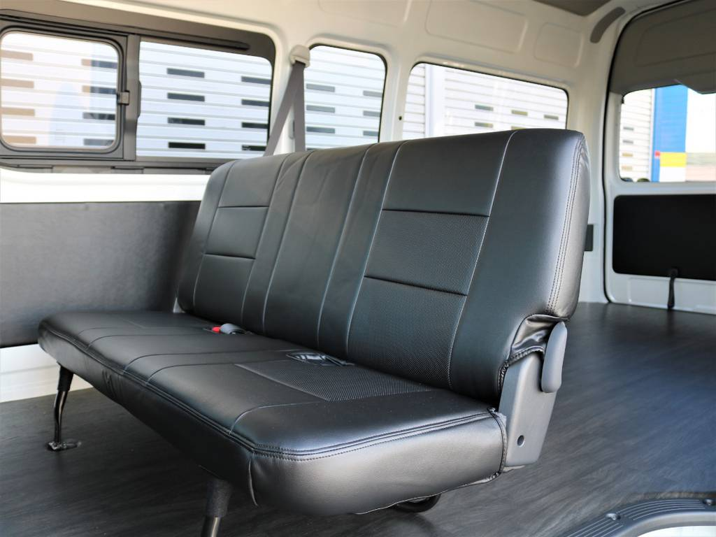 全席黒革調シートカバー装備!   トヨタ ハイエースバン 2.8 DX ワイド スーパーロング ハイルーフ GLパッケージ ディーゼルターボ 4WD フロアー施工&トリムレザーPKG
