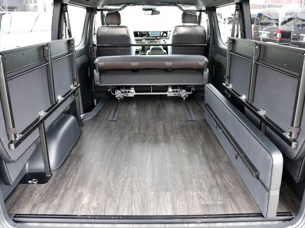 さらにセカンドシートを前にスライドさせることでより広大な荷室に!タフなお仕事やアウトドアレジャーもバッチリ対応!   トヨタ ハイエースバン 2.7 スーパーGL 50THアニバーサリー リミテッド ワイド ミドルルーフ ロングボディ4WD FU-Wスライドシート