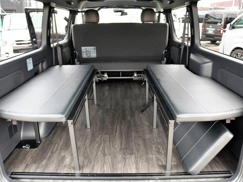 休憩時の対面ベンチとしてもお使いいただけます!   トヨタ ハイエースバン 2.7 スーパーGL 50THアニバーサリー リミテッド ワイド ミドルルーフ ロングボディ4WD FU-Wスライドシート