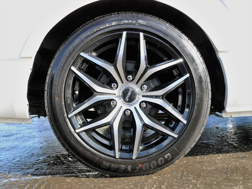 FLEXオリジナルアルミホイール Delf01 18inBP! | トヨタ ハイエースバン 3.0 スーパーGL ロング ディーゼルターボ 4WD