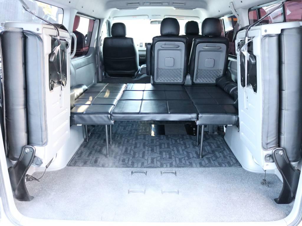 ワイドボディの広々ベッドでゆったり車中泊! | トヨタ ハイエース 2.7 GL ロング ミドルルーフ 4WD 内装架装車輌