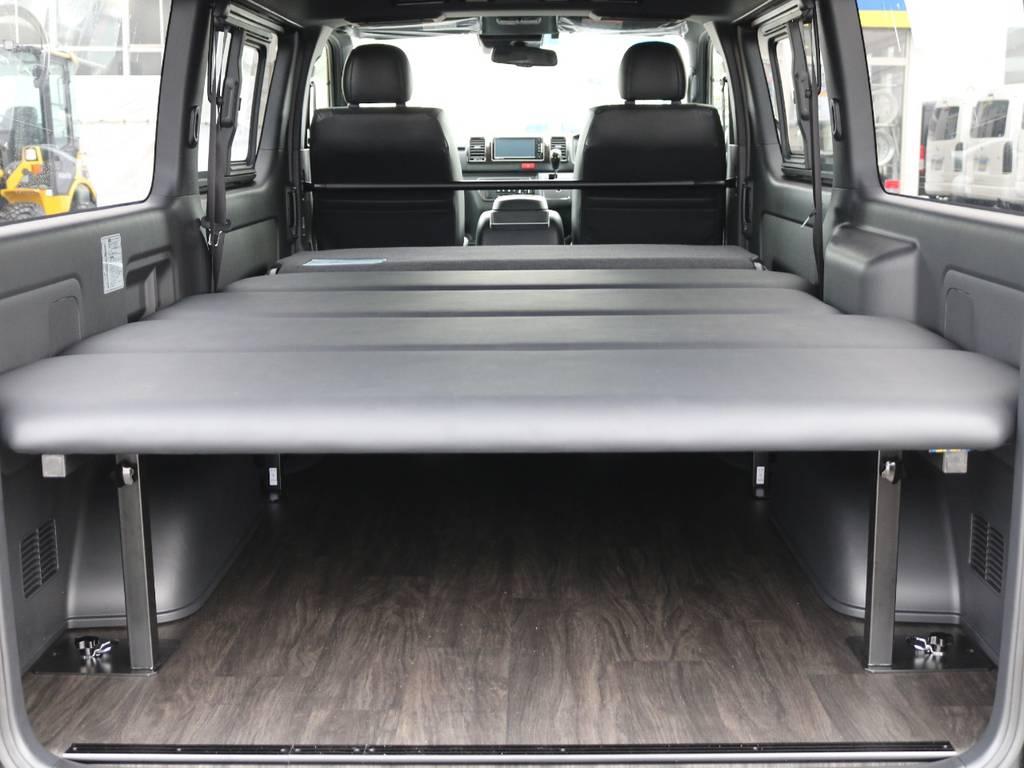 FLEXオリジナルフローリング施工!ベッドキッドも搭載! | トヨタ ハイエースバン 2.8 スーパーGL ダークプライムⅡ ロングボディ ディーゼルターボ 4WD 床張りツインナビPKG