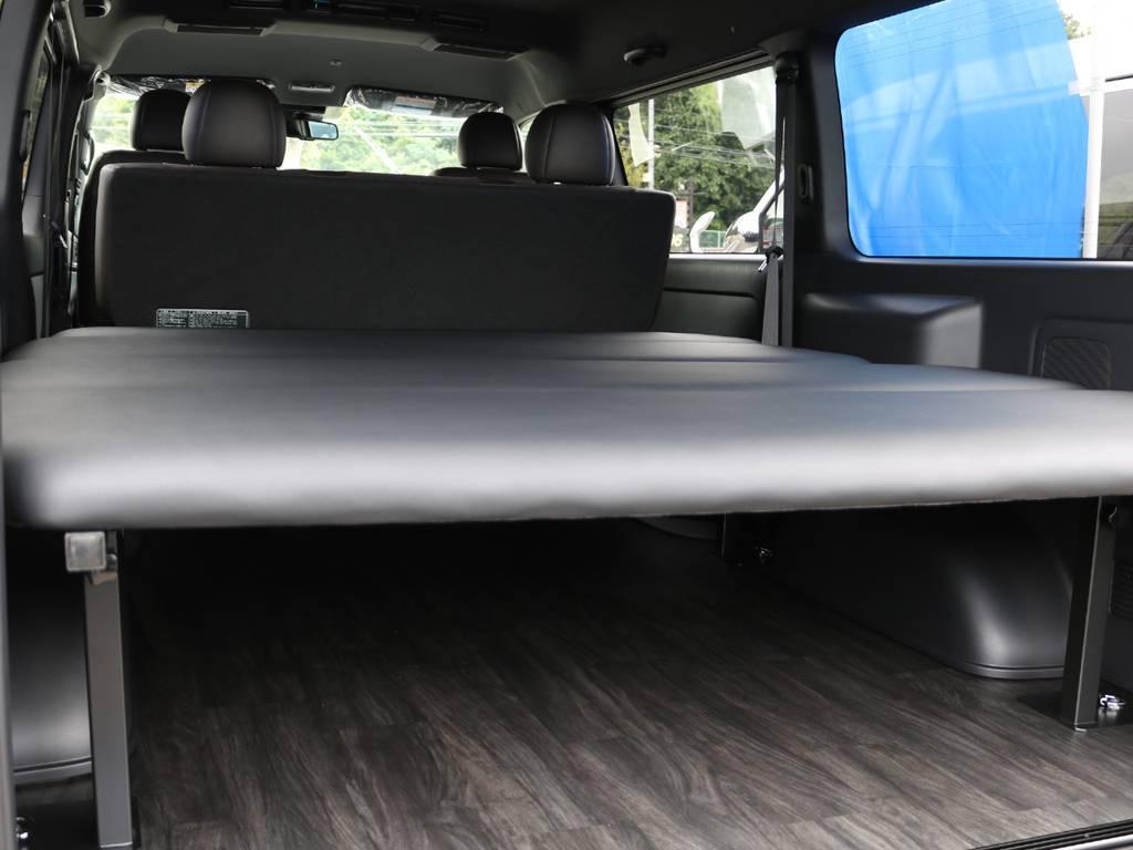 オリジナルベットキットは5段階調整可能!車中泊時には下のスペースに荷物をしっかり載せれます!