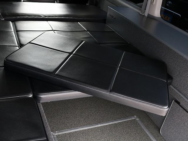 ベッドマッドは取り外し可能です! | トヨタ レジアスエース 2.7 スーパーGL ワイド ミドルルーフ ロングボディ 4WD 8ナンバー