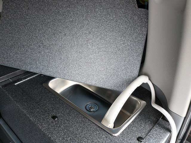 シャワー付きです! | トヨタ レジアスエース 2.7 スーパーGL ワイド ミドルルーフ ロングボディ 4WD 8ナンバー