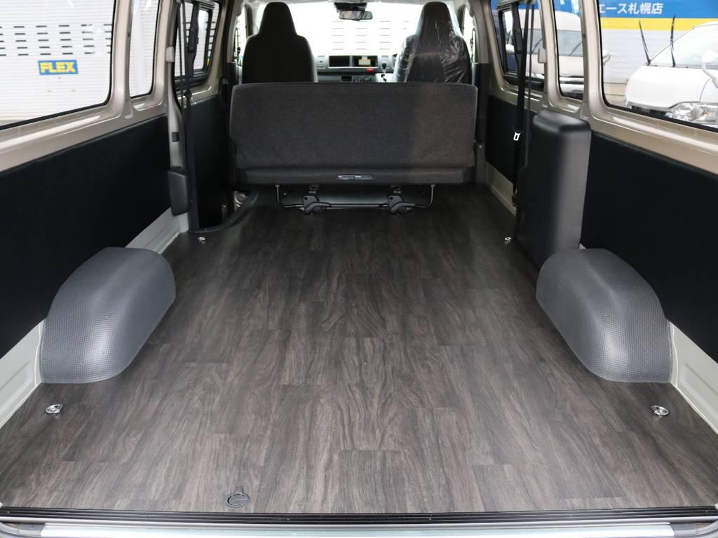 広大なラゲッジスペースを持ち車中泊やトランポにもお勧めです!