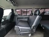 稀少な内装架装車両です!2ndシートは3人掛け!