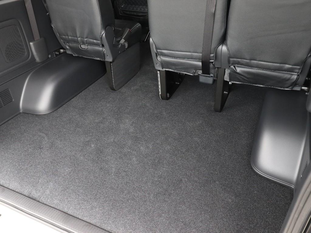 ラゲッジスペースは椅子を上げたりせずに確保されています!